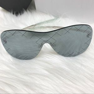 CHANEL Sunglass (reflective)